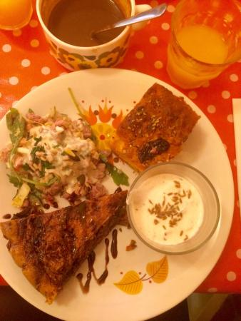 """Cuisine et gourmandises : Succulente assiette """"salée"""" avec jus d'orange pressé et chocolat maison 🍴"""
