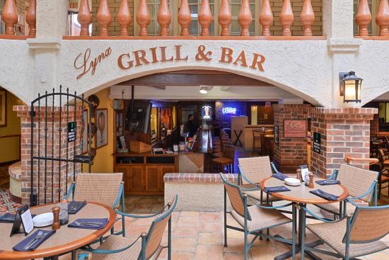 embassy suites by hilton austin central lynx grill u0026 bar - Lynx Grill