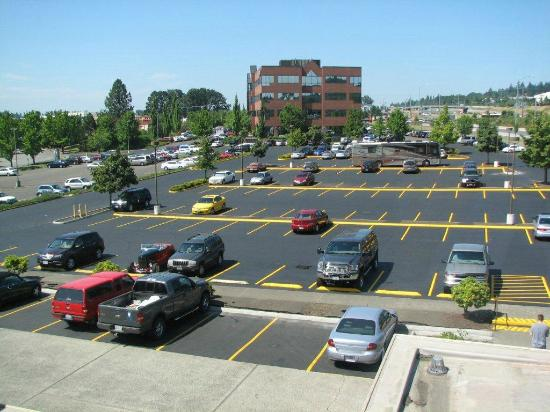 Clackamas, Oregón: Ample Complimentary Parking