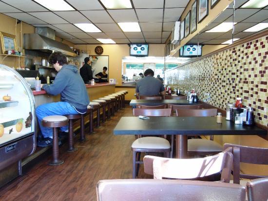 Turtle Cafe : inside