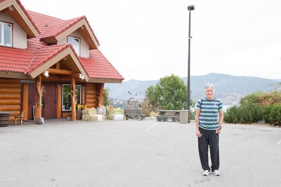 Okanagan Falls, Канада: Blasted Church Vineyards: Cool names and good wines
