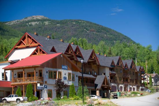 Red Mountain Village: Tourism Rossland / Dave Heath
