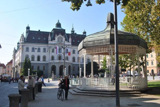 Ljubljana Old Town: Kongresni trg