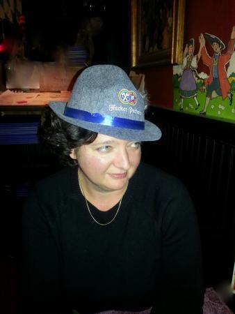 """Levittown, Пенсильвания: """"Das Hat"""" for Oktoberfest..."""