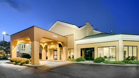 BEST WESTERN Indianapolis South: Hotel Exterior (Evening)