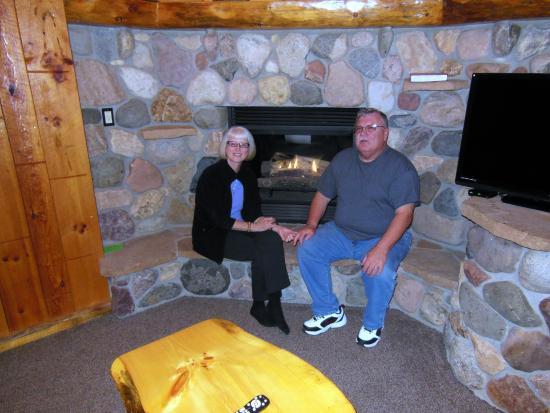 Rivers Edge Resort and Motel: Bob & Marsha