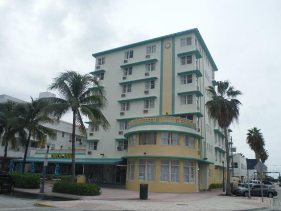 Hotel Daytime View Picture Of Broadmoor Miami Beach Click To Days Inn Suites