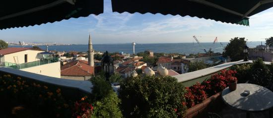Dersaadet Hotel Istanbul: View from rooftop deck
