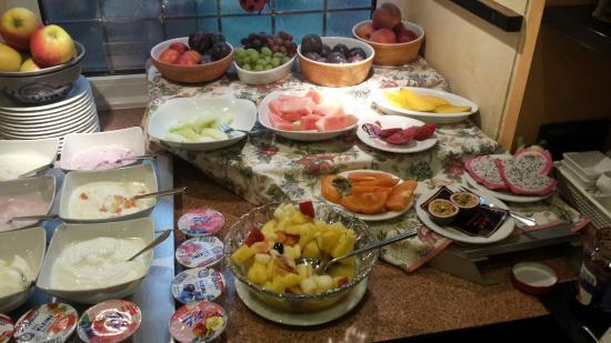 Hotel Restaurant Pieper: Frühstücksbuffet Quark und Südfrüchte