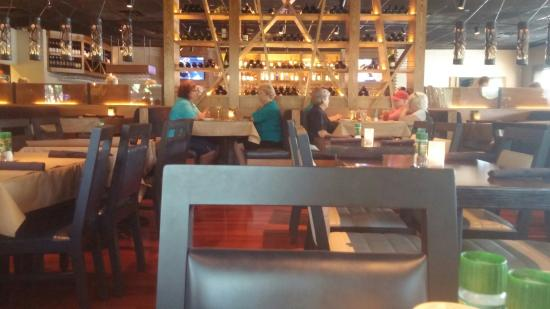 Bonefish Grill: Dinning area