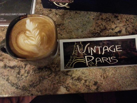 Vintage Paris Coffee and Wine Cafe: Sea Salt & Carmel Latte   YUM