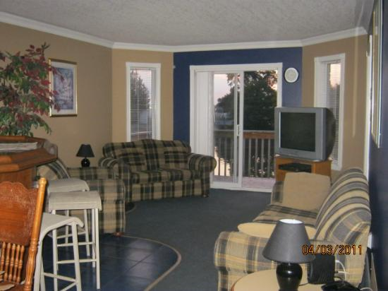 Wasaga River Resort Inc: open concept living dining and kitchen
