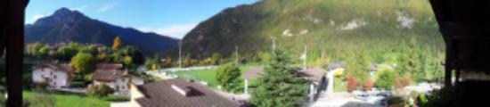 Ledro, إيطاليا: Vista dalla camera al quarto piano