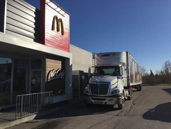 Hearst, Kanada: McDonald's