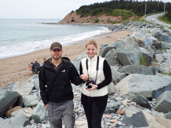 East Lawrencetown, Canada: Simoney and George at  Lawrencetown Beach