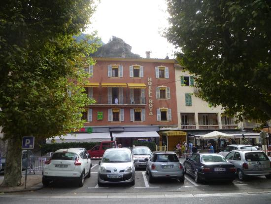 Breil-sur-Roya, France : Front of the hotel