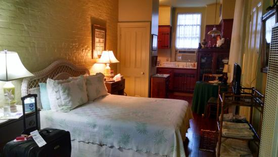 Lanaux Mansion : Lovely room