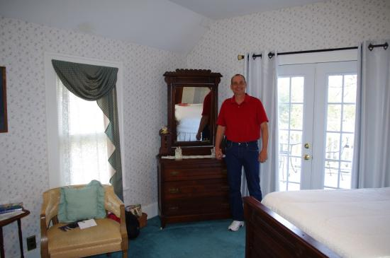 Abilene's Victorian Inn Bed & Breakfast: Myself in Eisenhower Room