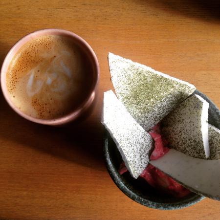 Djurgården, สวีเดน: cappuccino & semi-freddo of lingonberries with verbena (lemon) merengue