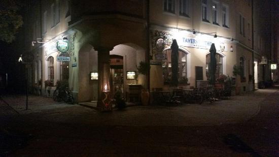 Taverne Lithos: Am Abend