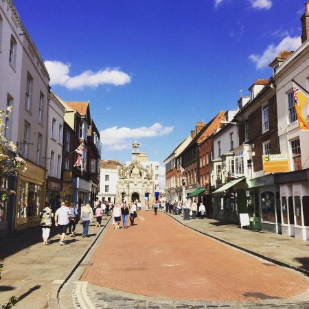 Rustington, UK: Chichester town center