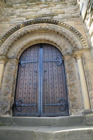 Newcastle Castle Large medieval doors & Large medieval doors - Picture of Newcastle Castle Newcastle upon ...