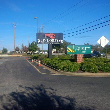 Auburn, AL: entrance -exterior
