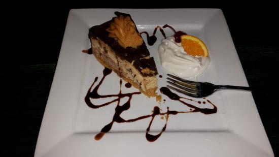 The Fishbowl Restaurant : Peanut Butter Cheesecake!