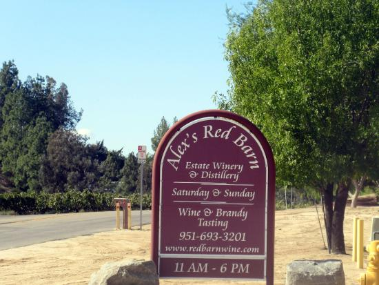 ‪Alex's Red Barn Winery‬