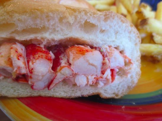 Rose Cove Cafe : Lobster roll