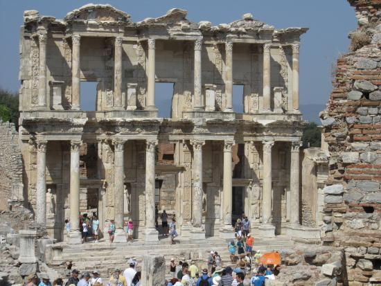 The magnificent library at Ephesus - Picture of Ephesus ...