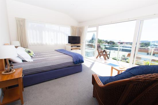 Admiral's View Lodge & Motel: Sea view spa