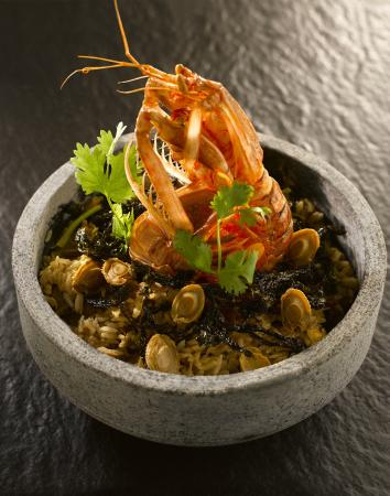 Man Fu Yuan - Baked Sea Mantis Shrimp with Stewed Rice in Stone Bowl