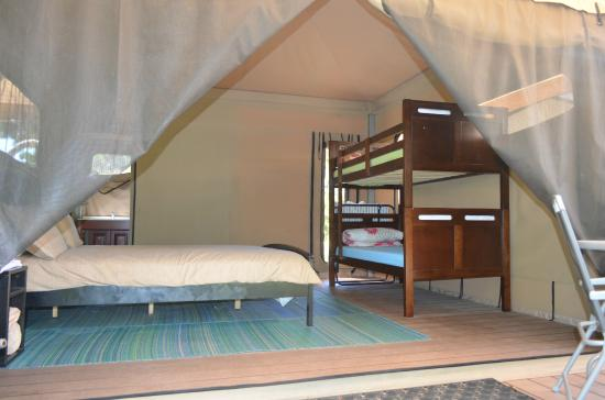 Castaways Moreton Island: 4-man tents are suitable for families