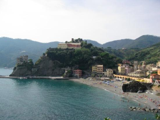 Hotel Punta Mesco: Beach at Monterosso