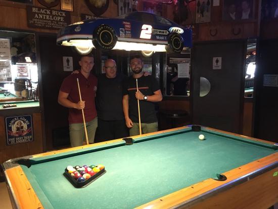 Harry's Night Club & Beach Bar: Great bar!