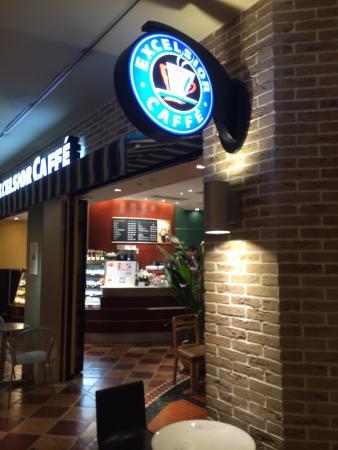 Excelsior Caffe, Harumi Triton