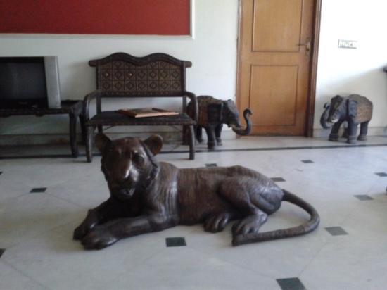 Hotel Relax New Delhi: Decoración