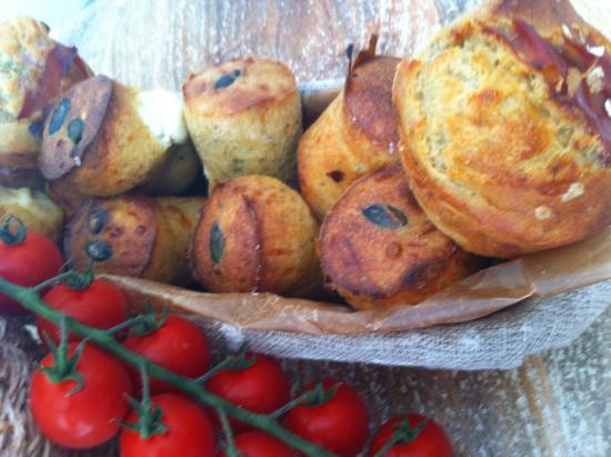 Mama Baker: Petits cakes féta - tomates - graines de courges