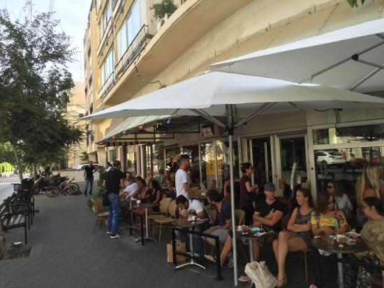 Bacio Mersand Cafe Ice Cream: This is one of those establishments in Tel Aviv where some people come to sit there every day. G