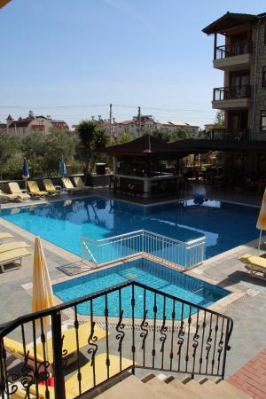 Nar Apart Hotel: pool