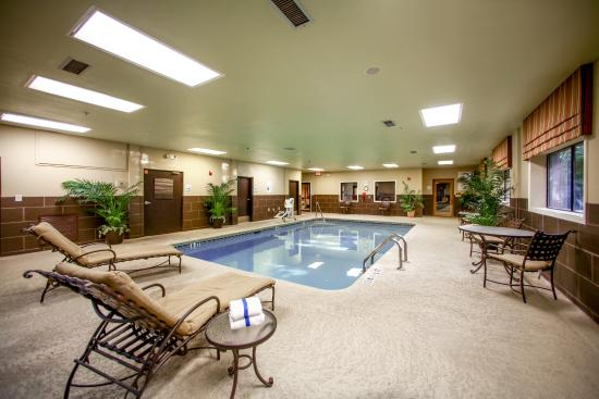 swimming pool picture of holiday inn express atlanta emory university area decatur tripadvisor. Black Bedroom Furniture Sets. Home Design Ideas