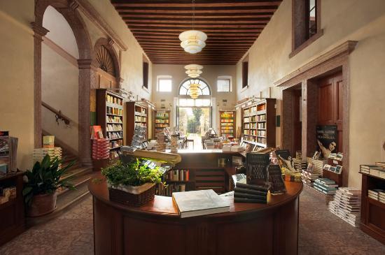 Libreria Palazzo Roberti