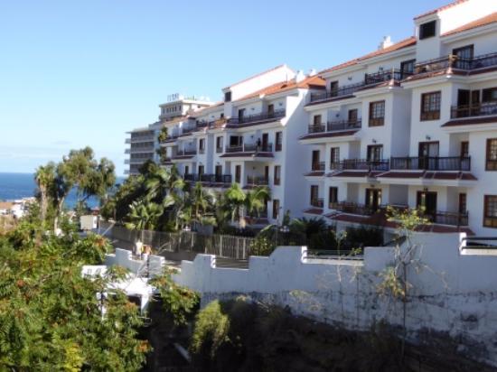Lounge diner breakfast picture of apartamentos casablanca puerto de la cruz tripadvisor - Apartamentos baratos en tenerife norte ...