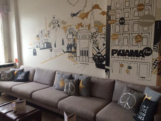 zimmer kaschemme bild von pyjama park hotel und hostel. Black Bedroom Furniture Sets. Home Design Ideas