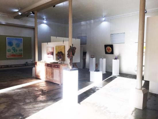 ArtKaroo Art Gallery: Interior