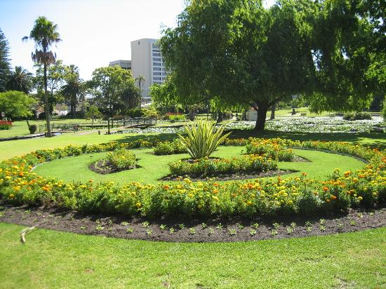 n mQueens Gardens