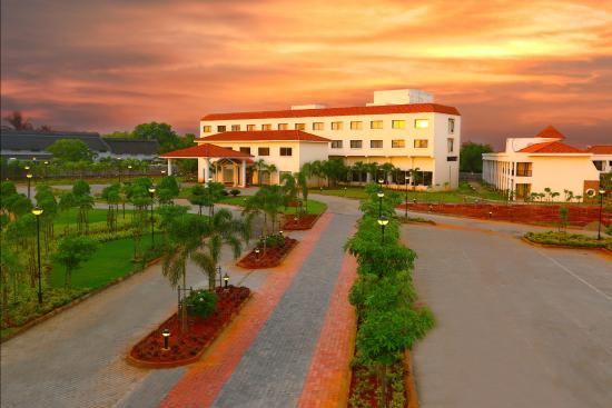 Grand Serenaa Hotel Resort Pondicherry Hotel Reviews Photos Rate Comparison Tripadvisor