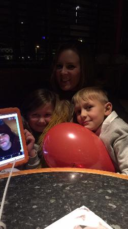 Frankie and Benny's: Great family night out at F&B's! Kids eating free helped treat ourselves to a cocktail each! Hap