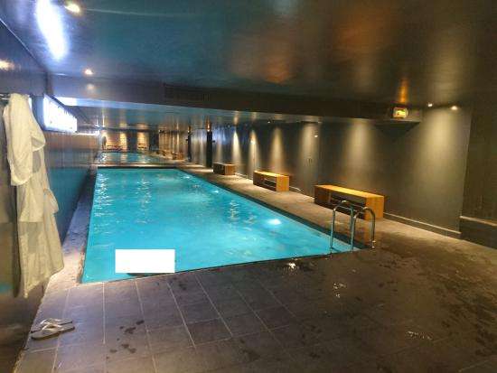 Piscine picture of saint james albany hotel spa paris for Piscine paris